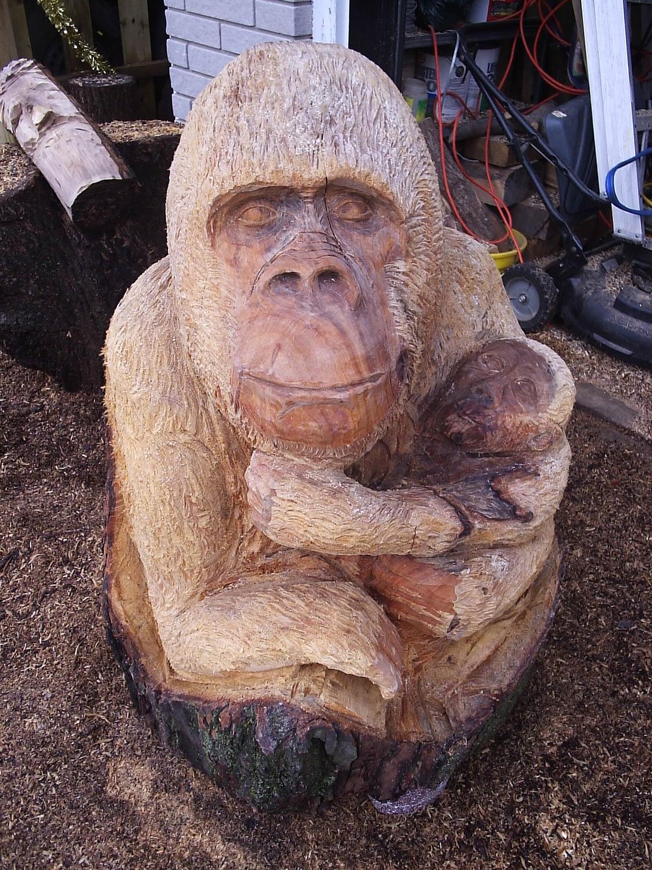 Chainsaw, Gorilla, Ape