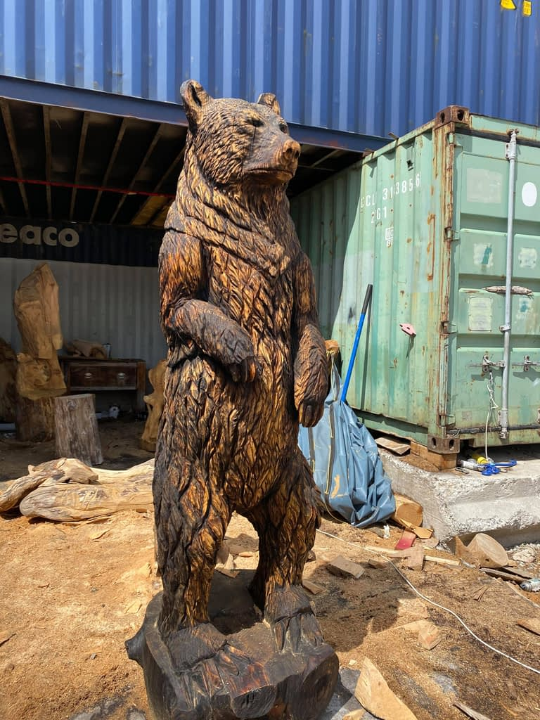 8ft brown bear carving